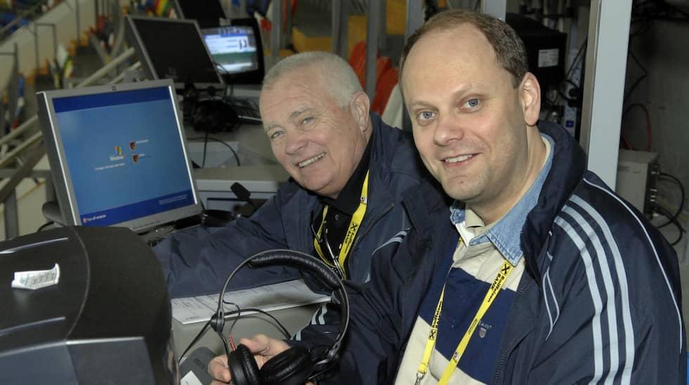 Lars-Gunnar Jansson och Lasse Granqvist kommenterar en match under hockey-VM 2007. Foto: Jan Düsing