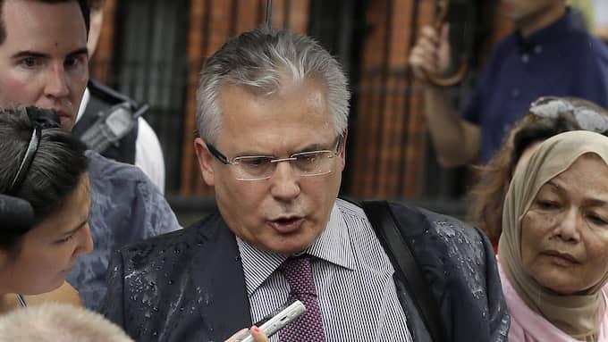 Den världskände spanske juristen Baltasar Garzón kräver att svensken Hamza Yalcin ska släppas. Foto: KIRSTY WIGGLESWORTH / AP