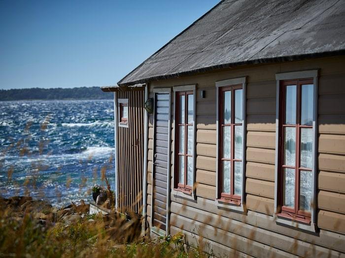 Torekovs warmbadhus ligger vid havet.