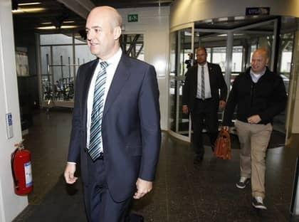STATSMINISTERN I SVT. PÅ söndagsmorgonen gästade Fredrik Reinfeldt SVT. Foto: NILS PETTER NILSSON