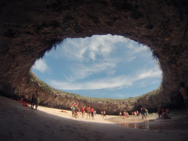 """""""The hidden beach"""" ligger på en av öarna i ögruppen Islas Marietas på Mexikos västkust."""