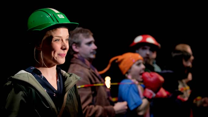I rollerna: Gustav Berg , Cecilia Borssén , Nils Dernevik , Kajsa Ericsson , Oldoz Javidi , Danjin Malinovic , Kim Bergkvist , Kenny Olsson. Foto: / Foto: Malin Arnesson