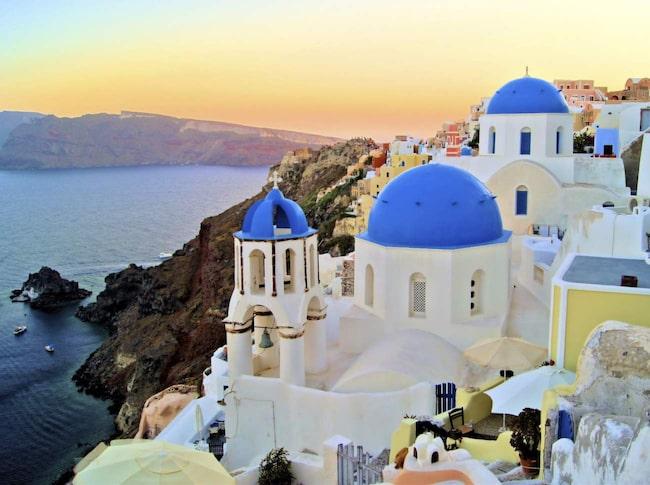 <span>Vulkanön Santorini i Grekland är en riktig svenskfavorit.<br></span>