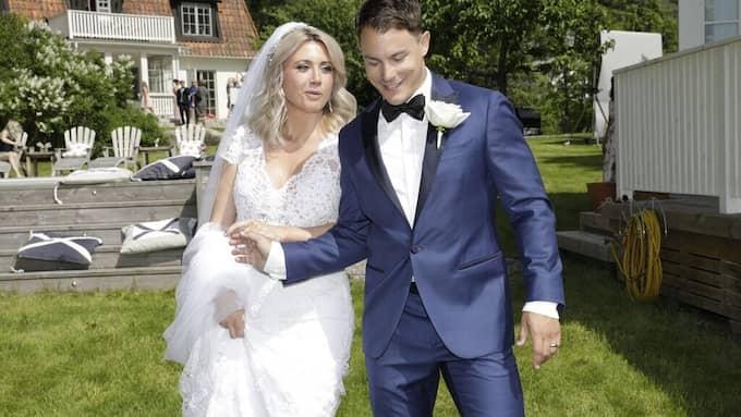 Camilla Läckberg och Simon Sköld har gift sig.