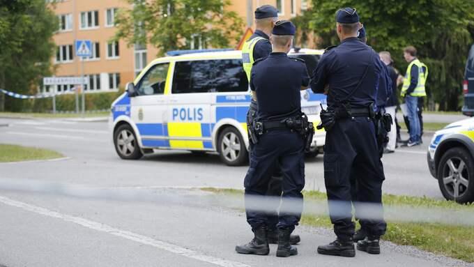 Avspärrningar i Bagarmossen, ett av de områden som pekas ut som extra utsatt av polisen. Sven Olov Karlsson har bott i Bagarmossen i tio år. Foto: CHRISTINE OLSSON/TT