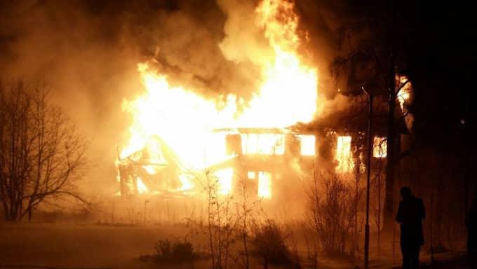 Huset som familjen bodde i brann ner till grunden. Foto: Christer Lindberg