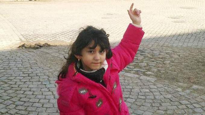 SKULLE ÅTERFÖRENAS. 8-åriga Yara skulle snart återförenas med sin familj. Alla papper var ifyllda, men beslutet var inte klart. I stället hittades hon död hos en släkting i Blekinge. Foto: Privat
