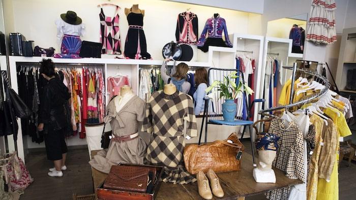 bra klädaffärer i stockholm