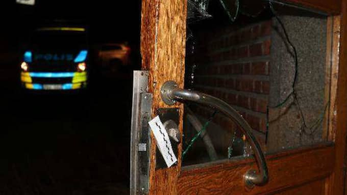 """En kvinna som var med i lägenheten under kvällen har i förhör berättat att stämningen mellan 42-åringen och den andre mannen blev """"bufflig"""" och """"grabbig"""". Foto: Polisen"""