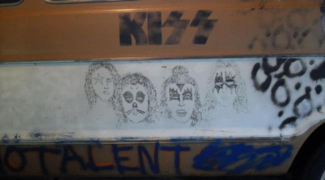 KONSTVERK. En teckning av Kiss gjord av Kurt Cobain.