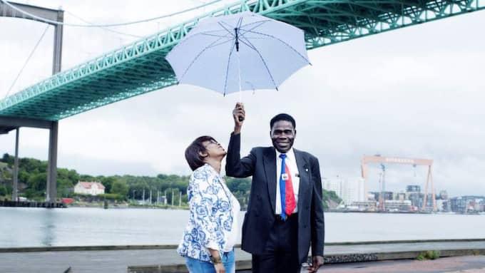 """Skillnader. """"Det finns mycket tystnad i Sverige. I Haiti träffas man - dansar, festar, umgås. I Sverige hälsar inte ens grannen i trappan"""", säger Marie Paule Colas Alarto och Nahom Mondélus, två göteborgare från Haiti."""