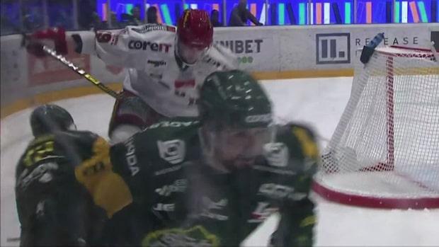 Rosdahl får matchstraff – trampar på motståndaren