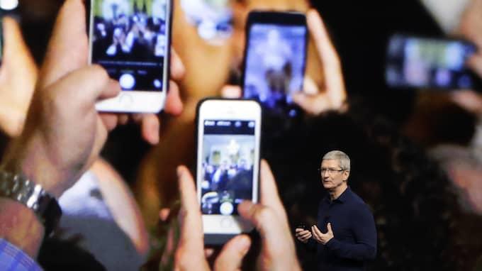 Tim Cook tillträdde som Apples vd 2011, då han efterträdde legendaren Steve Jobs. Foto: MARCIO JOSE SANCHEZ / AP TT NYHETSBYRÅN