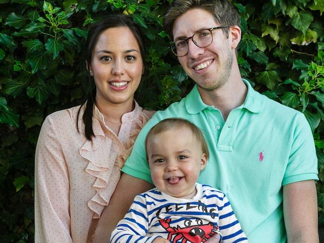 Hela familjen är engagerad i inredningen och renoveringen av huset: mamma Cecilia Nilsson, pappa Magnus Borg och lilla August, 1,5 år.
