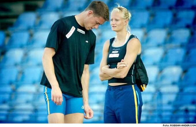 """Bojkott. Sedan SPORT-Expressens krönikör Mats Olsson skrev att """"Carolina Klüft största skada heter Patrik Kristiansson"""" har paret valt att inte bära Expressens logga - trots ett gällande sponsoravtal. Därför bryter nu Expressen samarbetet med friidrottsförbundet."""