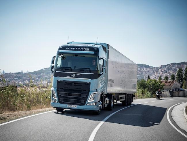 Här är Volvo Lastvagnars gasbil som utnämndes till Sustainable Truck of the Year 2018. Ännu finns inga bilder på el-lastbilen.