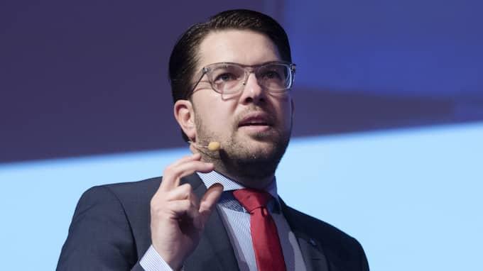 SD-ledaren Jimmie Åkesson har tidigare sagt att han hellre ser Anna Kinberg Batra, M, som statsminister än Stefan Löfven. Foto: Sven Lindwall