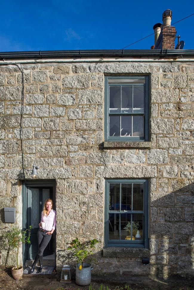 När Linda Dannvin hörde ljudet från ån som rinner utanför det förfallna huset i Cornwall i England smalt hennes hjärta.