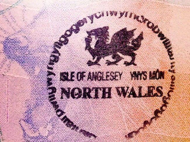 "<span>I Wales finns staden som har Europas längsta ortsnamn.</span><span>FOTO: <a target=""_blank"" href=""https://en.wikipedia.org/wiki/Gallery_of_passport_stamps_by_country_or_territory"">Wikimedia</a><br></span>"