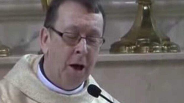 Prästen som får bruden att gråta och nätet att jubla