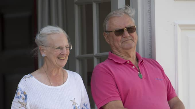 Nu får drottning Margrethe fira semestern ensam på Gråsten slot. Det finns inga uppgifter om när prins Henrik kan skrivas ut. Foto: TIM ROOKE/REX / TIM ROOKE/REX/ALL OVER PRESS REX FEATURES
