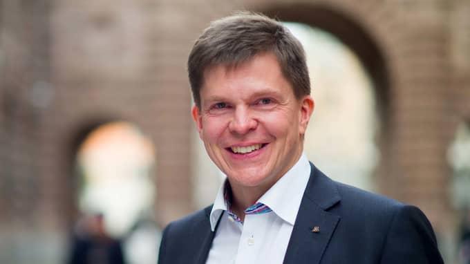 Ordföranden i riksdagens konstitutionsutskott, Andreas Norlén (M), öppnar nu för att kalla Googles och Facebooks chefer till förhör. Foto: WENNERLUND WENNERLUND