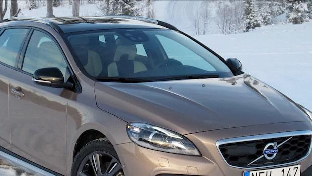 Volvo återkallar 37 000 bilar efter slangfel