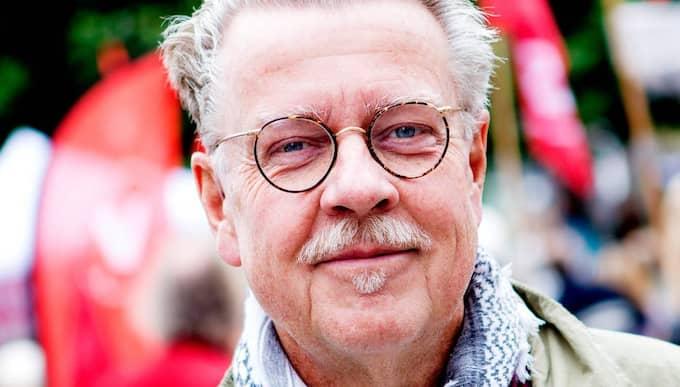 PRISTAGARE: Mikael Wiehe får Jan Myrdalssällskapets stora pris, det så kallade Leninpriset, 2015. Foto: Sanna Dolck