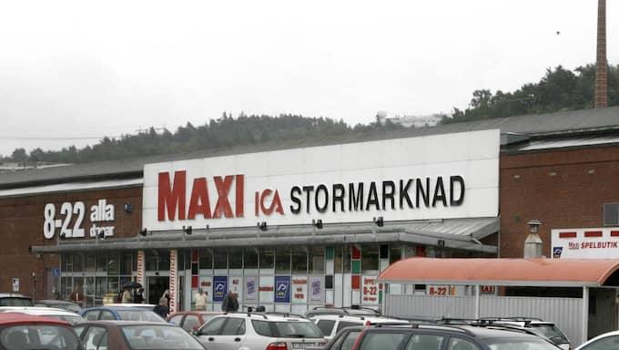 Vakten kände igen en av männen på Ica Maxi på Grafiska vägen. Foto: Leif Jacobsson