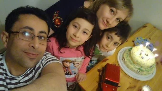 Mohamed Abou Eliwa, 35, kom till Sverige 2014. Med sig hade han sin fru Oksana Moroz, 37, och parets gemensamma barn Samar, 8, och Amir, 6. Foto: Privat