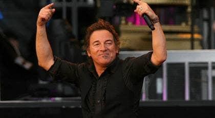 VÄRLDENS BÄSTA BOSS. Med 22 album i bagaget kommer Bruce Springsteen till Göteborg. Aldrig har han varit så mycket i publikhavet som nu, menar GT:s Stig Hansén. Foto: Niall Carson