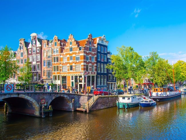 KLM kommer att erbjuda hela 98 direktflyg i veckan mellan Sverige och Amsterdam.