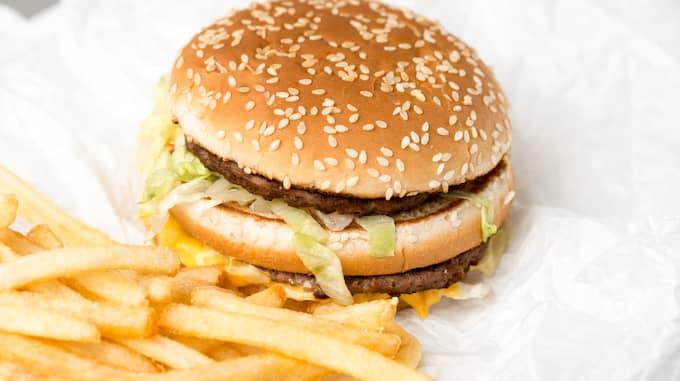 """""""Det var bara en kund som märkte när jag gjorde det"""" skriver en McDonaldsanställt på Reddit. Foto: Colourbox"""