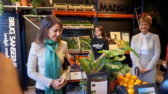 Här inviger prinsessan Marie den första butiken i Danmark som bara säljer andrahandssortering. Foto: STEFAN LINDBLOM