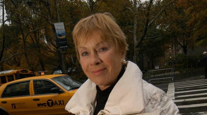 """Bibi Andersson gör framsteg i sin rehabilitering. Maken Gabriel Mora Baeza är optimistisk: """"Hon kan säga """"ja"""" och """"nej Foto: Norman Y. Lono"""