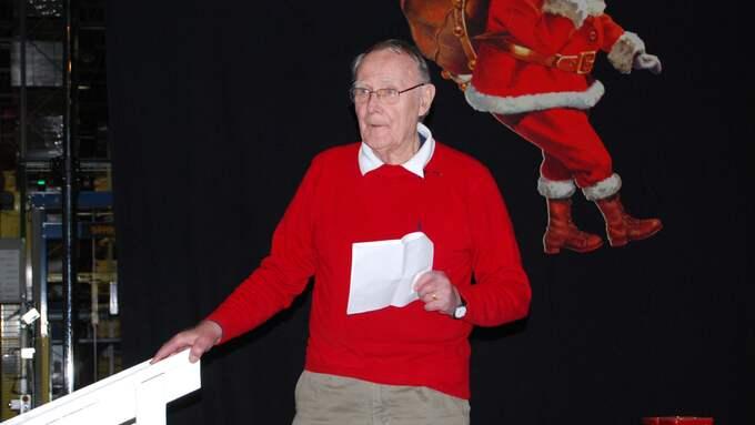 Gillar julen. Ikeas grundare, Ingvar Kamprad, är en omvittnat god julfirare. Han har inte missat många julfester på företaget. Den här festen hölls 2010 i Älmhult. Foto: IKEA IKEA