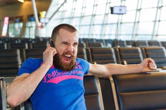<span>Det finns flera beteenden som får oss att se rött på flygplatsen. Personer som blockerar eluttagen när vi behöver ladda mobilen, till exempel. </span>