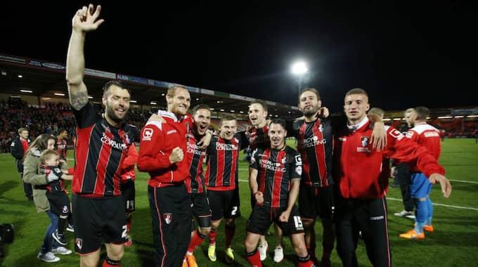 SKRÄLLGÄNGET. Bournemouth vann Championship efter en 3-0-seger mot Charlton i säsongens sista match. Foto: Andrew Couldridge