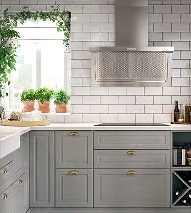 Ikeas populära köksfronter Bodbyn i grått är prissänkt med 20 procent.