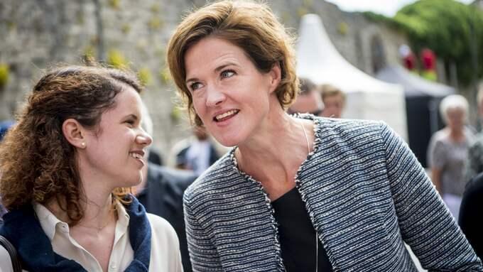 Presschefen Linda Norberg och Moderatledaren Anna Kinberg Batra. Foto: CHRISTIAN ÖRNBERG