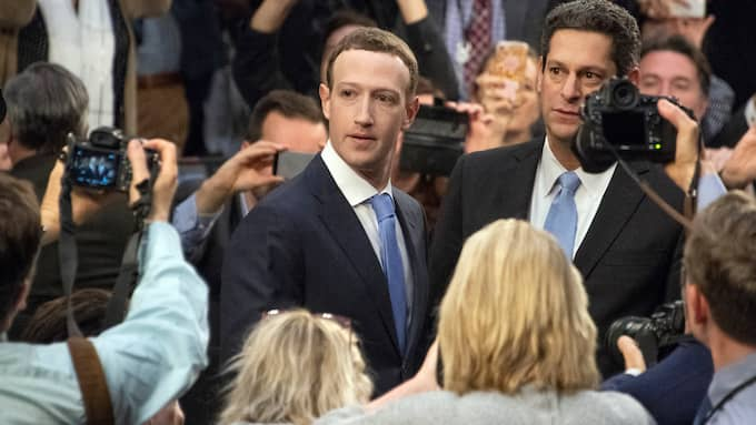 Mark Zuckerberg ställs till svars för Cambridge Analytica-skandalen. Foto: RON SACHS / CNP / POLARIS/IBL POLARIS