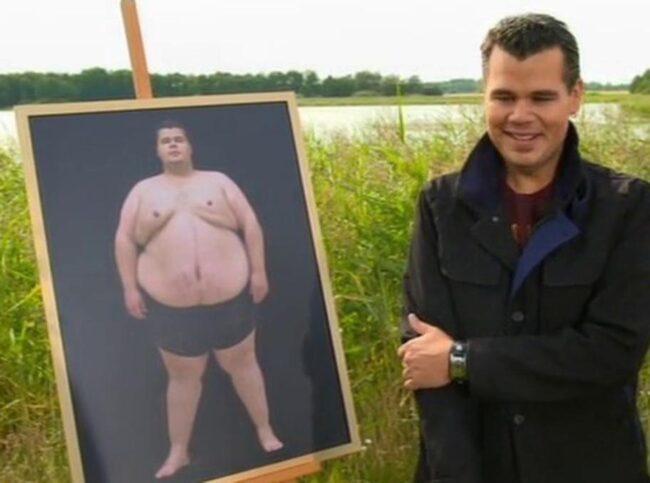 """En känslosam stund. I augusti vägde Fredrik Myrén in sig för sista gången i TV3-programmet """"Aldrig mera fet"""". Här väger han nästan hälften så mycket som vid starten. Foto: TV3"""