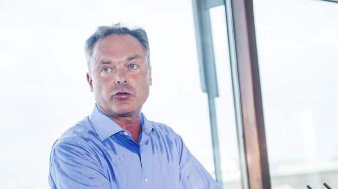 PAPPALEDIG. FP-ledaren Jan Björklund vill införa en tredje pappamånad i föräldraförsäkringen. Foto: Robin Aron