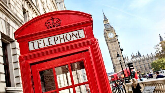 När som helst på året piggar en weekendresa till London upp.