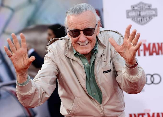 Stan Lee under filmpremiären av Ant-Man, en annan superhjälte i Marvels serieuniversum som han varit med om att skapa. Foto: KM/FAMEFLYNET PICTURES / STELLA PICTURES