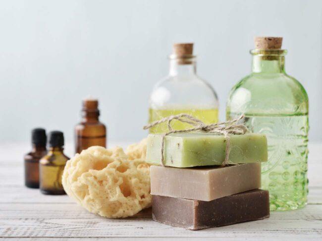 <span>Tvål minskar bakteriemängden rejält när du tvättar dig.</span>