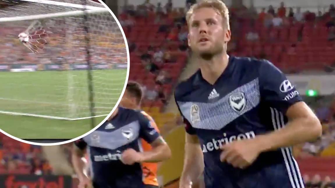 Ola Toivonen med drömmål och självmål för Melbourne Victory