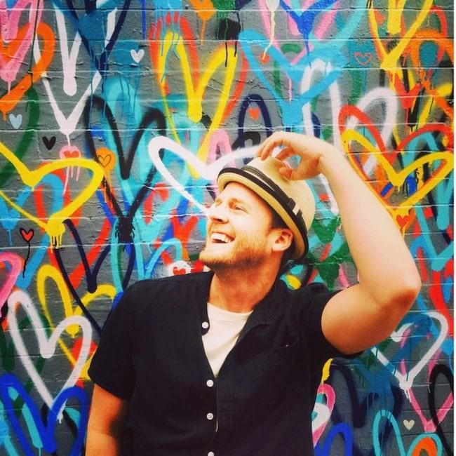 """<span>#Lovewall består av hundratals hjärtan i sprakande färger. Foto: <a href=""""https://instagram.com/explore/tags/lovewall/"""" target=""""_blank"""">Instagram</a></span>"""