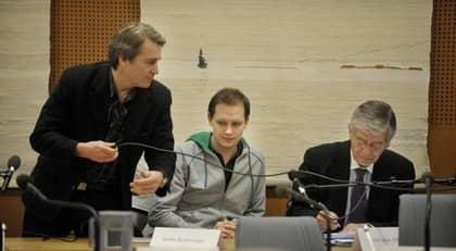 Pirate bays Carl Lundström och Peter Sunde tillsammans med försvarsadvokat Peter Althin under tingsrättsförhandlingarna 2009. Foto: Jessica Gow