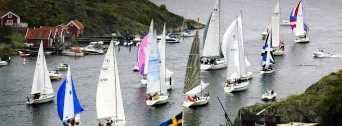 Sommar, segling och snaps. Båtvanorna är rotade. Vi tror inte att måttlig alkoholförtäring påverkar sjösäkerheten. Statistiken visar att du har rätt. Foto: Petra Jonsson